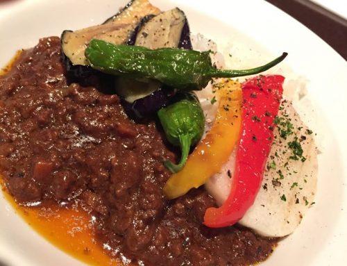 バークダン本日のスペシャリテは「彩り野菜のキーマカレーライス」です!